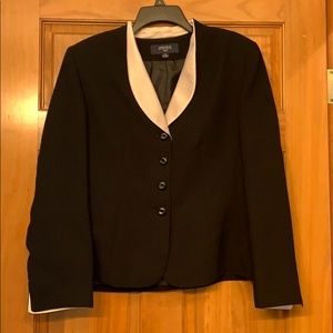 Classic Black/white skirt suit